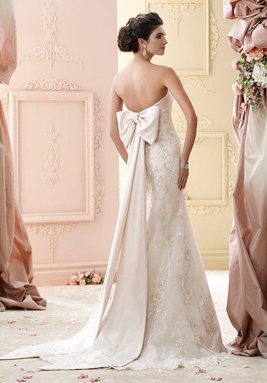 فساتين زفاف ملكية