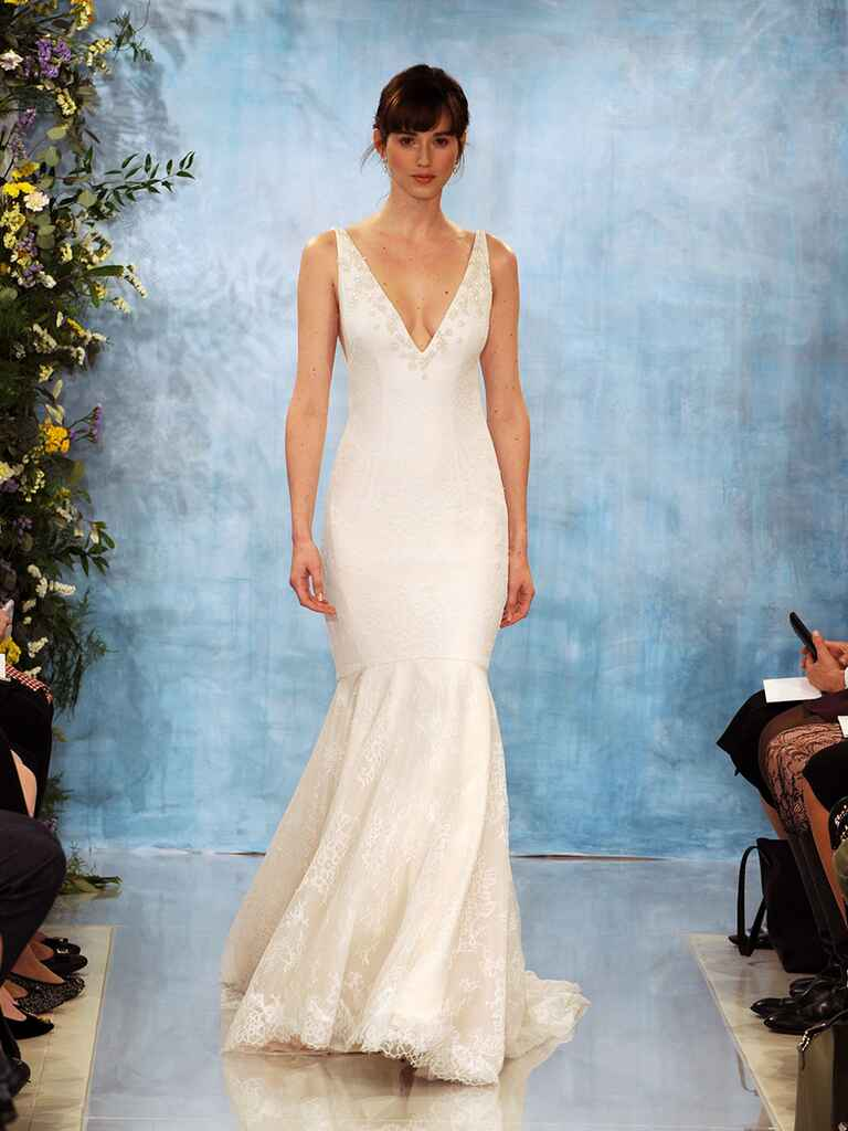 25 Simple Wedding Dresses From Fall 2018 Bridal Week - oukas.info