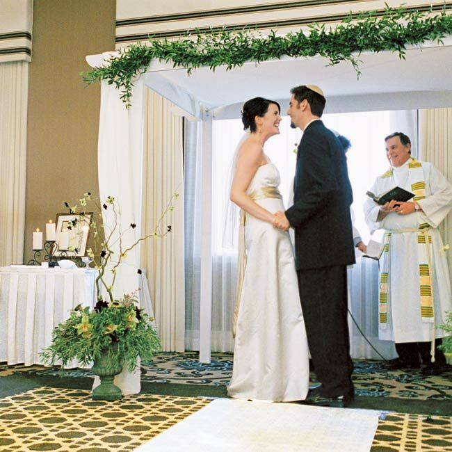 julie amp aaron an interfaith wedding in santa monica ca