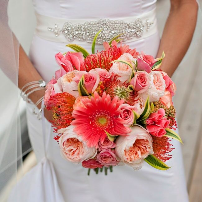 Bridal Bouquet With Color : Coral bridal bouquet