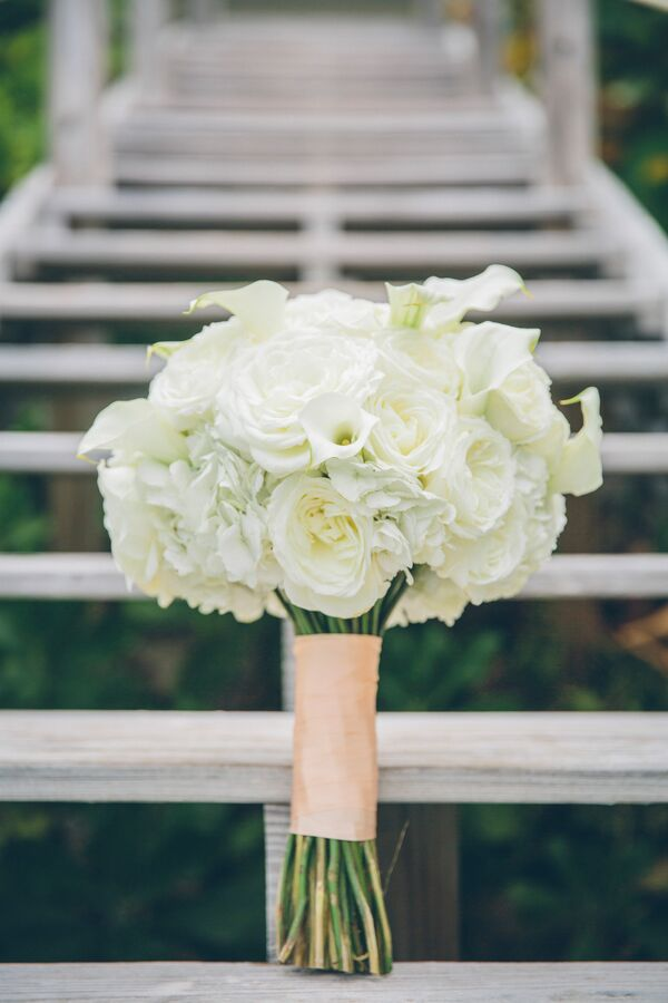 Simple Rose Garden: Simple Wedding Arch With White Lisianthus