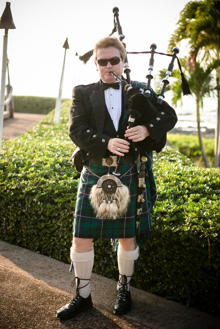 Scottish Bag Piper Music At Ceremony