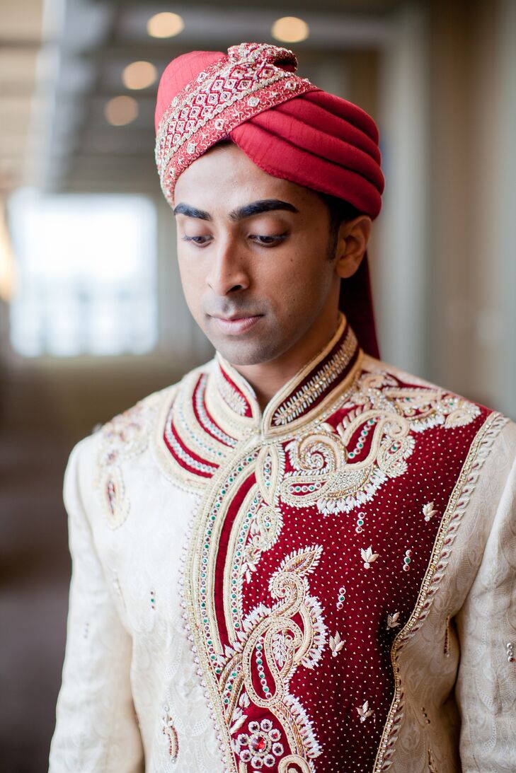 Traditional Red Groom\'s Safa